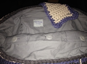 Inside beach bag - With pockets and buttons!